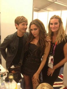 Ken Paves and Victoria Beckham backstage at the Closing Ceremony!