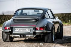 Sexy 964 backdate by @speed_service #cult911 #porscheartdaily #porsche #porsche911 #porscheclassic #porsche964 #modifiedporsche #backdated911 #backdated964 #widebody964