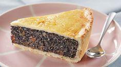 ... und solche die es werden wollen. Dieser einfache und schnell zu backende Mohnkuchen konzentriert sich auf das Wesentliche - viel Mohn umschlossen von Kuchenbisquit.