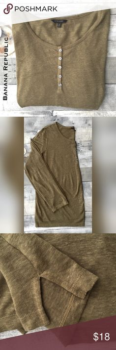 LNWOT- olive henley sweater-tissue weight Scoop neck Henley weather has full length sleeves and split side hem detail.  Immaculate condition. Banana Republic Sweaters Crew & Scoop Necks