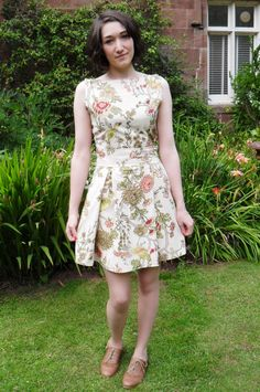 Excellent step by step instructions on how to make a dress the simple way!