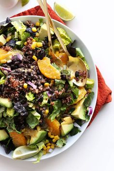 Mixed Mexican Vegan Salad with Corn, Black Beans, Quinoa, Avocado and a Creamy Cilantro Orange Chili Dressing! Good with black rice in place of quinoa Baker Recipes, Yummy Recipes, Whole Food Recipes, Salad Recipes, Vegetarian Recipes, Cooking Recipes, Healthy Recipes, Free Recipes, Mexican Quinoa Salad