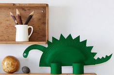 Making paper plate crafts in the classroom is always so much fun. I hope you have fun getting crafty with these paper plate craft ideas for kids. Paper Dinosaur, Dinosaur Crafts, Dinosaur Party, Toddler Crafts, Crafts For Kids, Arts And Crafts, Paper Plate Crafts, Paper Plates, Creative Kids