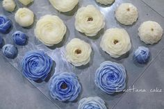 Done by me enohanacake.com Kakaotalk ID:touko76 Line:enohanaflowercake  Enohana flower cake & baking class studio  정규, 원데이클래스 모집합니다. 수업문의는 카톡ID->touko76 으로 문의 주세요 #peony#작약 #버터크림플라워케이크#플라워케이크 #플라워케이크클래스 #birthdaycake #주문케이크#수제케이크#생일케이크#웨딩케이크#buttercreamcake #꽃케이크#buttercreamflowercake #flowercake #에노하나케이크  #weddingcake #フラワーケーキ教室#dessertstagram #flowercakeclass #bakingclass #연남동#bakingstagram #cakedecorating#koreanflowercake#花蛋糕#specialcake #フラワーケーキ#cakedecoration
