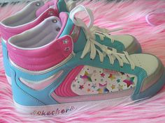 I have been lookin at cute shoes just makeing myself sad about how i have no money.