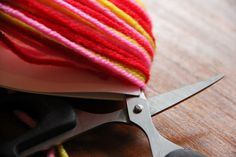 homemade@myplace: Make it! Chunky yarn tassel!!