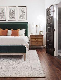 Beautifully Simple Bedroom Design and Decor Ideas. Plants in your bedroom. Cozy bedroom ideas that will not clutter your room. Bedroom Inspo, Home Bedroom, Modern Bedroom, Bedroom Inspiration, Rug For Bedroom, Green Master Bedroom, Master Bedroom Furniture Design, White Bedroom Walls, Ikea Bedroom