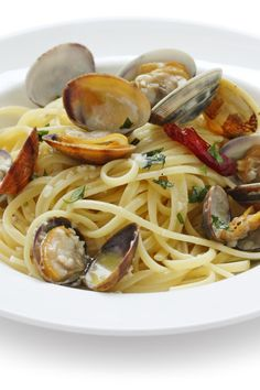 Italian Food ~ Linguine with White Clam Sauce Recipe.