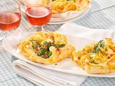 Schneller Snack für 4 Personen: Die Blätterteig-Päckchen mit Brokkoli und Schinken sind einfach gemacht und in nur 30 Minuten