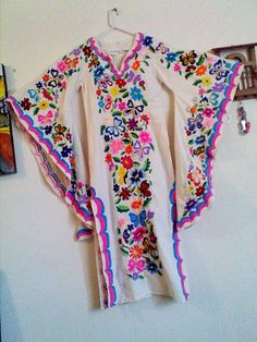 Mexican hand embroidered dress by TheTianguisMexico on Etsy Mexican Outfit, Mexican Dresses, Mexican Clothing, Fabulous Dresses, Beautiful Dresses, Mexico Fashion, Ethnic Fashion, Womens Fashion, Boho Inspiration