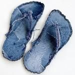 Indoor Bigfoot Jeans Recycle Flip Flops Tutorial – Hobbies paining body for kids and adult Fabric Flip Flops, Flipflops, Denim Art, Denim Ideas, Denim Shoes, Flip Flop Shoes, Recycled Denim, Diy Clothes, Slippers