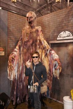 Norman Reedus salute .. The Walking Dead he likes to flip off the camera lol