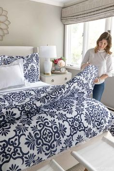 The best duvet inserts and folding them to get a fluffy look! Dream Master Bedroom, Master Bedroom Makeover, Master Bedrooms, Master Bathroom, White Coverlet, Blogger Home, Driven By Decor, Guest Bed, Guest Room