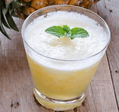 Leftover pineapple core and a few spices make a refreshing drink. Healing Herbs, Refreshing Drinks, Pineapple, Beverages, Spices, Pudding, Health, Desserts, Recipes