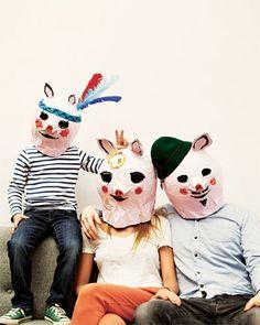 family portrait | Schweinchenmasken aus Pappmaché