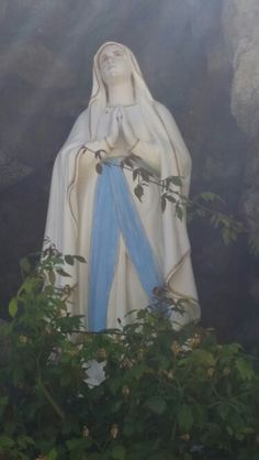 The Goddess in the curch's garden