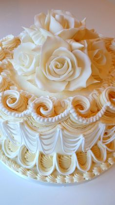 Cake Decorating Course Great Yarmouth : 1000+ images about Wedding cakes on Pinterest American ...