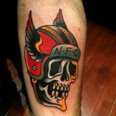 1000 images about skull tattoos on pinterest tattoo for Traditional motorcycle tattoo