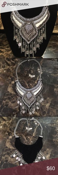 Beautiful Beaded Statement Necklace Never worn necklace. Lead compliment. Fast shipping. No trades. Firm price unless bundled. Thank you for supporting and shopping my closet! Xoxo Jewelry Necklaces