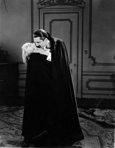 Awesome Classic Dracula ''The One And Only Bela Lugosi'' 1931 Photo Horror Pictures, Horror Pics, Horror Art, Lugosi Dracula, Monster Vampire, Vampire Dracula, Famous Monsters, Classic Horror Movies, Vintage Horror