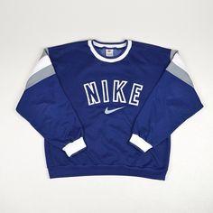 Vintage Nike Sweatshirt Medium/Large Online Now www. Nike Sweatshirts, Comfy Hoodies, Vintage Nike Sweatshirt, Vintage Outfits, Vintage Fashion, Nike Fashion, Fashion Outfits, Nike Hoodie, Nike Outfits