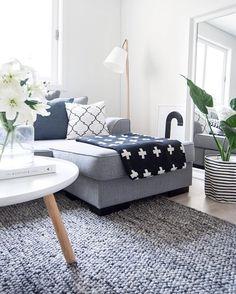 Love the light in our livingroom earlier today! pillow from @ninakullberg - For en dag, lille har vært helt ute av rutine, ikke bare fordi vi har stilt klokken, men det virker som noe plager han. Håper dette er en fase som går over fort. Jeg vil jo bare at han skal ha det bra! Håper dere har hatt en fin helg. Vi er på vei i sengen, ville bare ønske dere en god natt - #boligpluss #interior123 #interior4all #interiorforyou #bobedre #boligplussminstil #interiørmagasinet #room123 #roomforinsp...