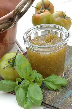 Green tomato jam and basil recipe and styling Noémie Vialard, Photo Rattle Christian / Cape Photos Fruit Preserves, Fruit Jam, Tomato Jam, Basil Recipes, Food Jar, Green Tomatoes, Greens Recipe, Fermented Foods, Food Pictures