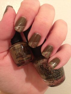 Pretty nails for Fall/Thanksgiving. - Like this, would look great with an orange strip between the two colors.