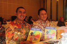 Bapak H.Mochamad Anton (Walikota Malang) dan Bapak Triawan Munaf (Kepala BEKRAF) menerima PRINTEX apparel decoratian magazine, disela penyelenggaraan Indonesia Creative City Conference (ICCC) di kota Malang. 31 Maret 2016