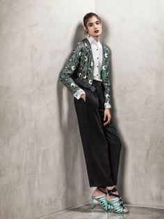 Giorgio Armani Resort 2018 Fashion Show