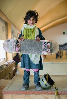 Photos: Forbidden from riding bikes, fearless Afghan girls are skateboarding around Kabul - Quartz