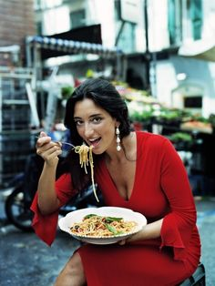 """spgent: """" beautiful women brought to you by the nutritional benefits of pasta :) """""""