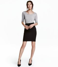 Knee-length skirt in woven stretch fabric with a concealed zip and slit at back. Lined. Office Outfits, New Outfits, Dresses For Teens, Dresses For Work, Teen Skirts, Fall Lookbook, Professional Dresses, Pencil Skirt Black, Teacher Style
