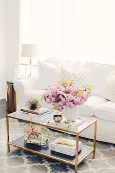 Living room, coffee table styling, white and gold, @homegoods accessories, @ikea erktop sofa
