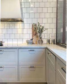 Greater Denver Area Real Estate :: The DeGrood Team Kitchen Furniture, Kitchen Decor, Kitchen Design, Interior Design Living Room, Living Room Decor, Danish Kitchen, Cool Kitchens, Kitchen Cabinets, Real Estate