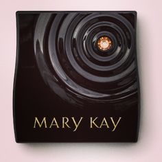 Special-Edition Beauty That Counts Mary Kay Compact Mini!
