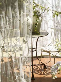 Raindrops and Roses Velvet Curtains, Window Curtains, Raindrops And Roses, Simple Living, Window Treatments, Glass Vase, Exterior, Interior Design, Green