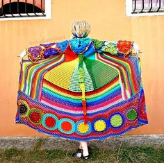 Risultato della ricerca immagini di Google per http://www.craftster.org/pictures/data/500/medium/241693_30Aug12_Kaleidocoat_-_Multicolor_Multimotif_Striped_And_Hooded_Hippie_Crochet_Coat2.jpg