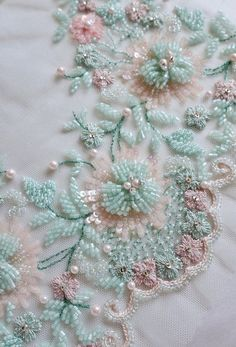 how to do brazilian embroidery stitches Zardozi Embroidery, Hand Embroidery Dress, Tambour Embroidery, Bead Embroidery Patterns, Couture Embroidery, Hand Embroidery Stitches, Silk Ribbon Embroidery, Hand Embroidery Designs, Pearl Embroidery