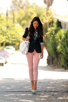 ♥ Love this outfit, pinned it before, but this shows the whole look. Blazer, pink pants, and light blue shoes :)