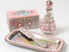 Make a Sweet Girls Rhinestone Vanity Set with Mod Podge Collage Clay Crafts To Make, Fun Crafts, How To Dye Fabric, Dyeing Fabric, Mod Melts, Pink Bottle, Linocut Prints, Vanity Set, Craft Patterns