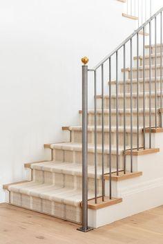 Estudio Mcgee, Stair Detail, Low Pile Carpet, Stair Railing, Staircase Runner, Stair Runners, Railings, Villa, Stairways
