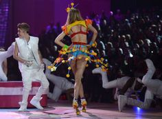 Justin Bieber Performs At The 2012 Victoria's Secret Fashion Show - http://belieberfamily.com/2012/11/08/justin-bieber-performs-at-the-2012-victorias-secret-fashion-show-pictures/