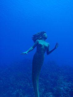 I wanna scuba dive in Grand Cayman to see Amphitrite  (the beautiful 9 ft tall bronze mermaid)