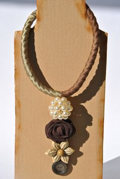 Textile long necklace rope pearl sphere textile rose di comivishop €42,00