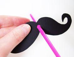 Schnurrbart Moustache Vorlage Schablone Strohhalm Strohhalme basteln Party-Gag Anleitung DIY kostenlos aufstecken
