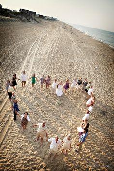 Great idea for a group wedding shot from Julie Dreelin's Beach Productions. #OBX   best stuff