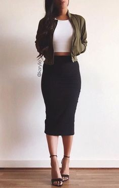 60 Winter Date Outfits Casual Ideas Naturally youre want to seem good but you will also need to truly feel comfortable to guarantee you like the date. Think hard about the venue durin. Look Fashion, Fashion Beauty, Autumn Fashion, Fashion Outfits, Womens Fashion, Fashion Ideas, Fashion 1920s, Fashion Skirts, Woman Outfits