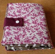 Voici une nouvelle version du sac pliable que j'aime tant, inspiré de celui de Séverine ... offert à ma soeur pour Noël ... ...