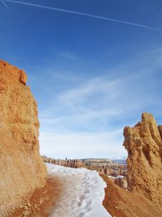 What's it like to hike the hoodoos on this Utah hiking trail? Winter Photography, Landscape Photography, Nature Photography, Travel Photography, Utah Hiking Trails, December Pictures, Pumpkin Recipes, Fall Recipes, Vegan Recipes
